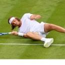 Tsitsipas tự giam ba ngày để đọc sách về Federer