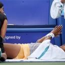 Vừa trở lại ngôi 'nữ hoàng' WTA, Naomi Osaka dính ngay chấn thương