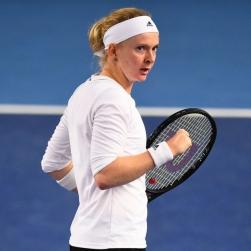 Cô gái thiếu hai ngón tay vượt qua vòng loại Australian Open 2021