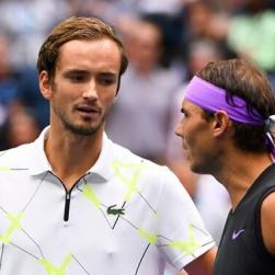 Medvedev lấy vị trí số hai thế giới của Nadal