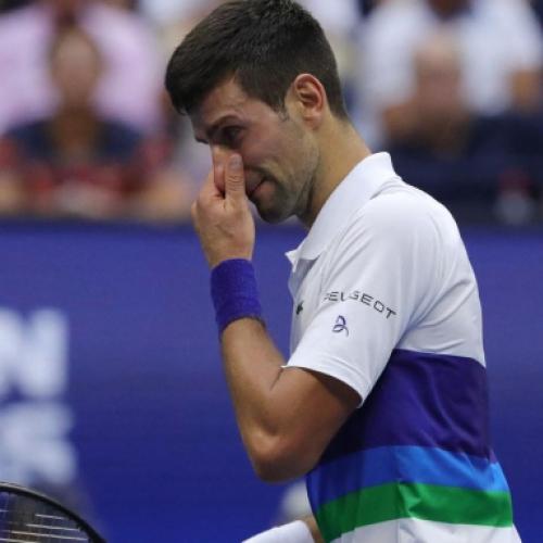 Djokovic còn kém Federer điều gì?