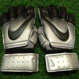 Găng tay thủ môn logo Nike màu đen ghi