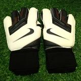 Găng tay thủ môn logo Nike màu đen trắng